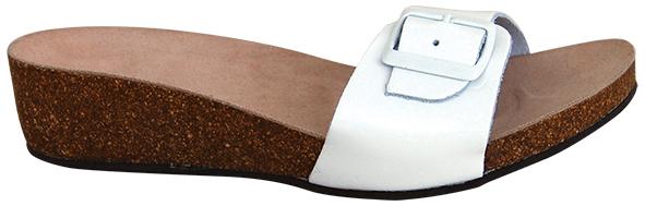 7311a0b257e7 Sandále ortopedické č.39 T84 PROTETIKA biele lakované